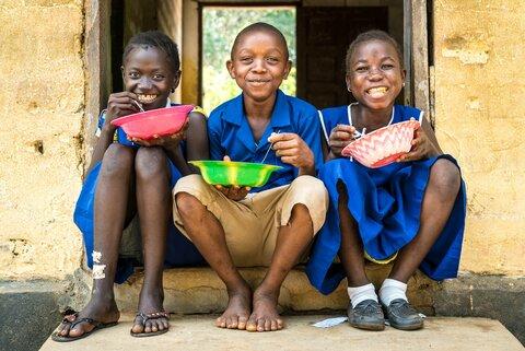 Quando si mangia a scuola, tutto cambia. Munjama e le sue compagne lo sanno bene.