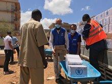 Libia: UNHCR e WFP insieme per assistere migliaia di rifugiati e richiedenti asilo con cibo d'emergenza